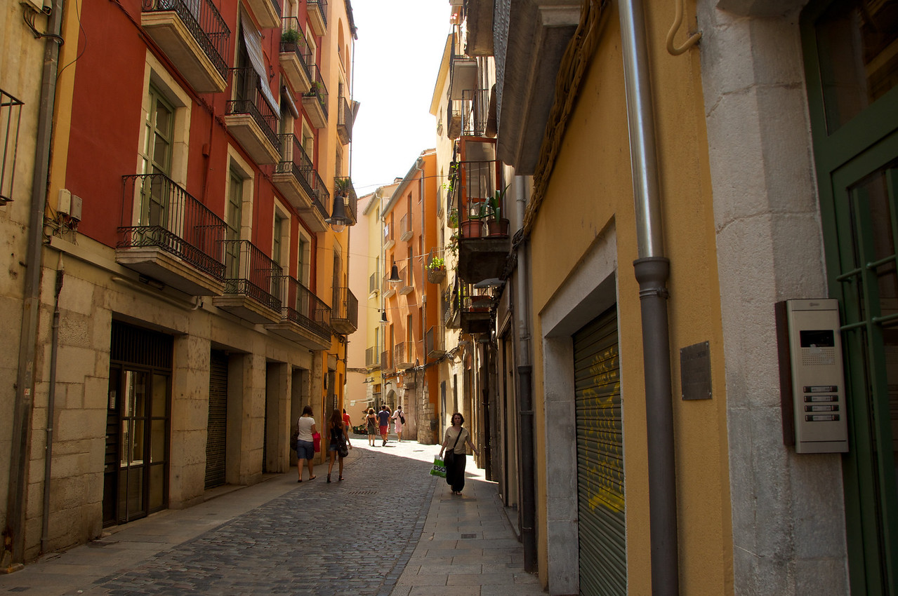 Street off Saint Felix Square
