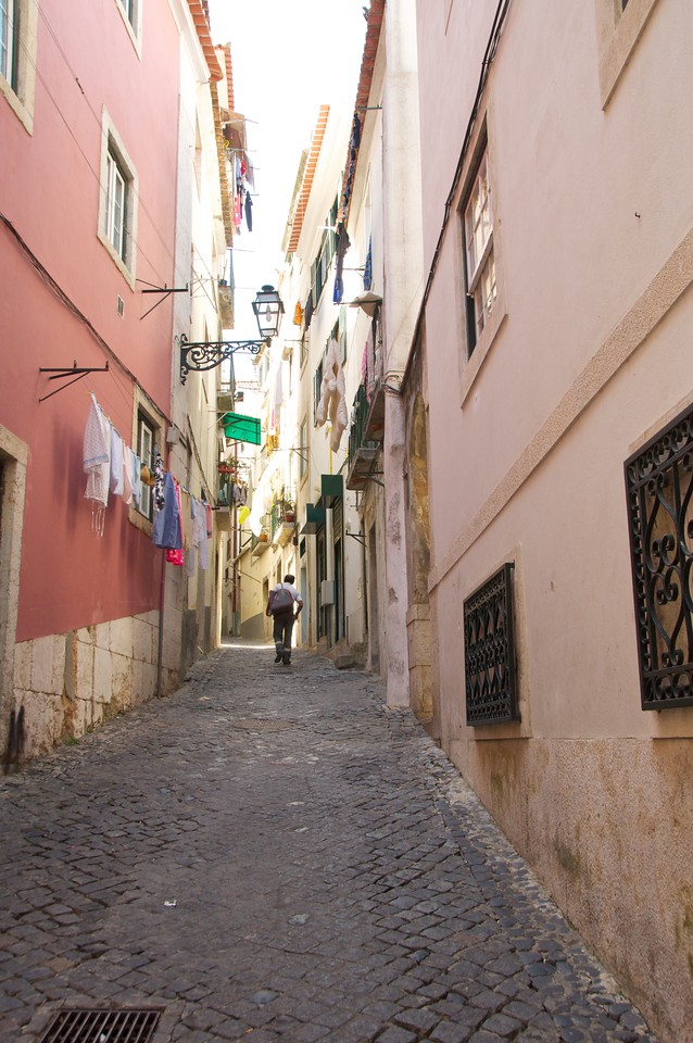 Side Street off Rua Da Judiaria