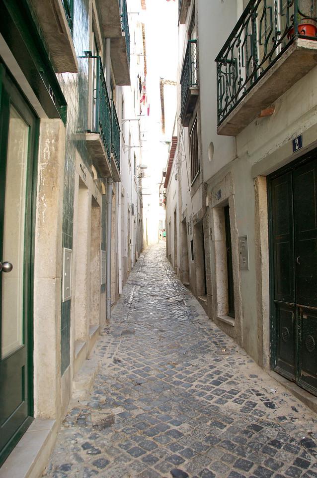 Many Narrow Street off Rua Da Judiaria