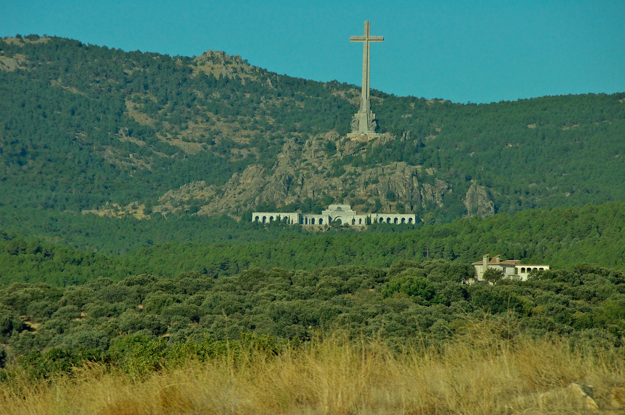 San Lorenzo de El Escorial, also known as El Escorial de Arriba is a town and     The Valley of the Fallen (Cross, Monument to Victims of The Spanish Civil War…Franco Buried Here)… From Bus
