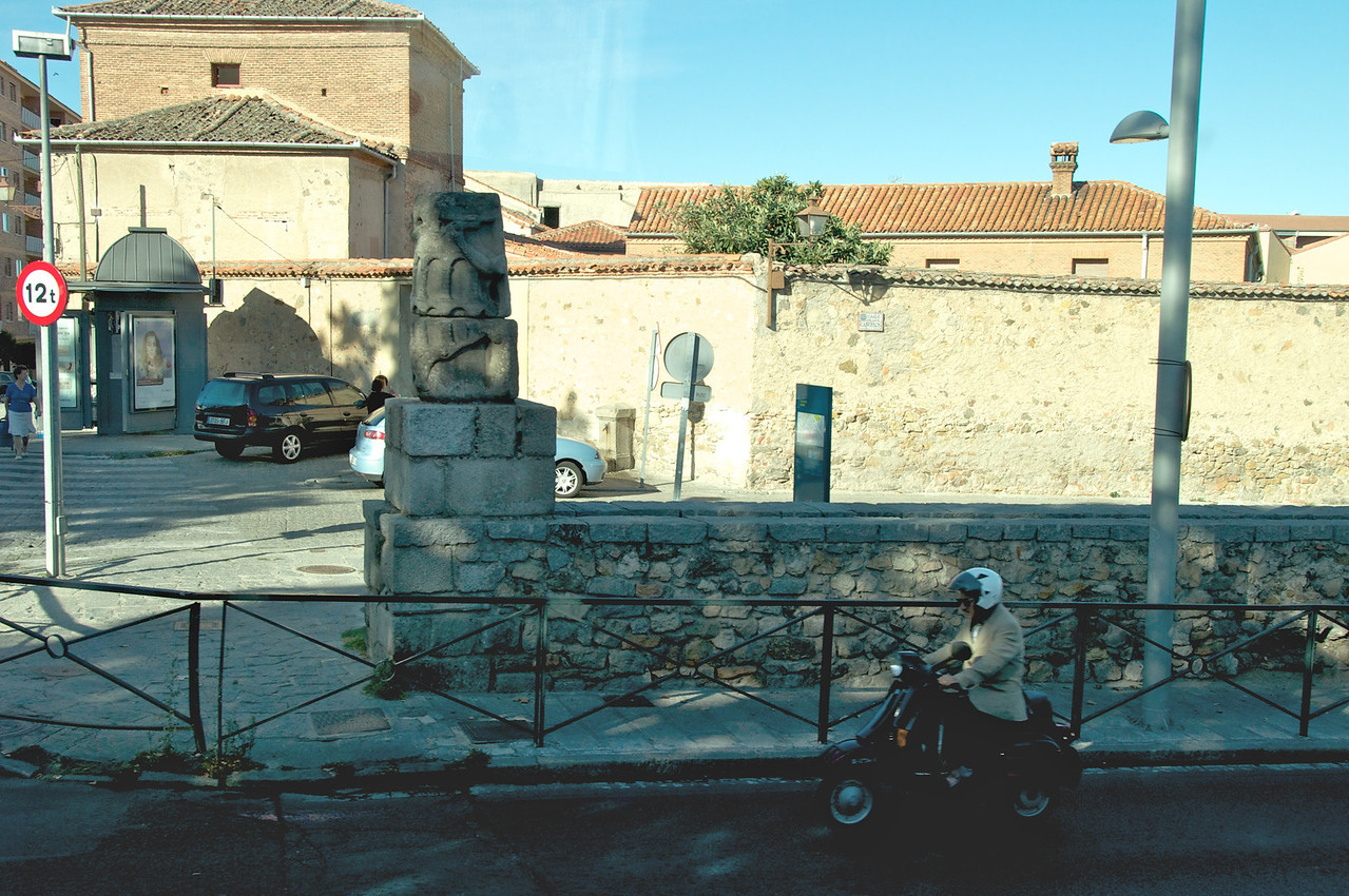 Beginning of Roman Aqueduct in Segovia (From Bus)