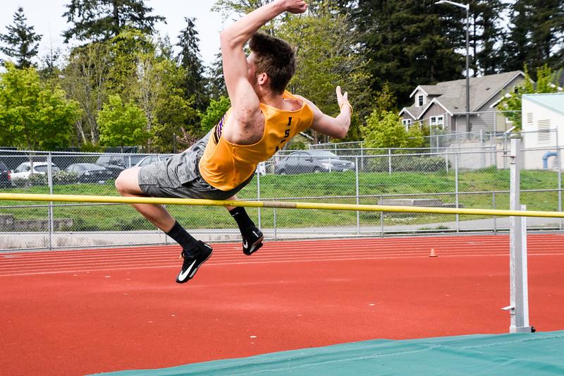 184 - 2019 04 25 High Jump at Eastlake.jpg