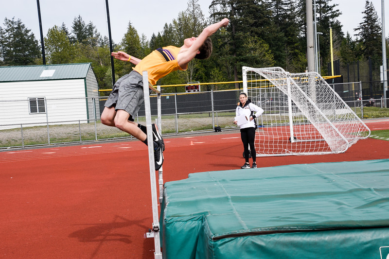 188 - 2019 04 25 High Jump at Eastlake.jpg