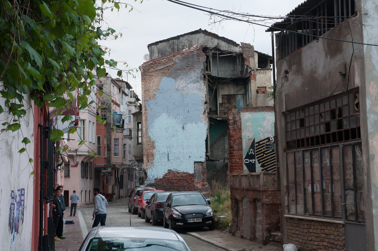 The painted-over Faces of Istanbul piece