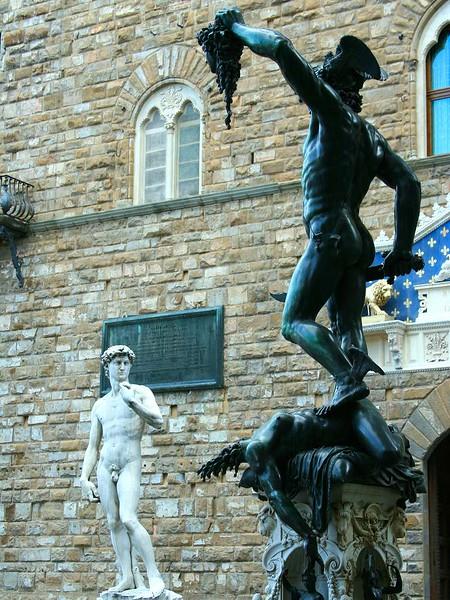 Escultura de Perseu e Medusa