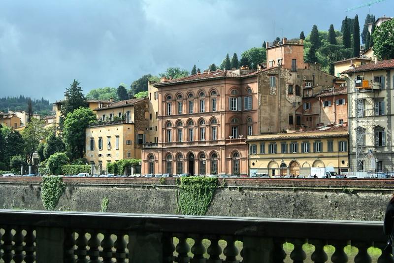 Margens do Rio Arno