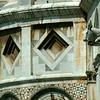 Detalhe Arquitetônico na Praça dos Milagres