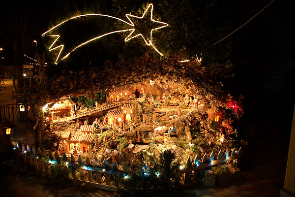 """This is known as a """"presepe"""". They are to be found all over the place for passers-by to admire."""