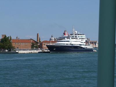 Venezia. Hafen - Kreuzfahrtschiffe und Yachten.