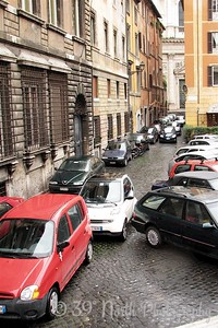 This is how the Italians park.