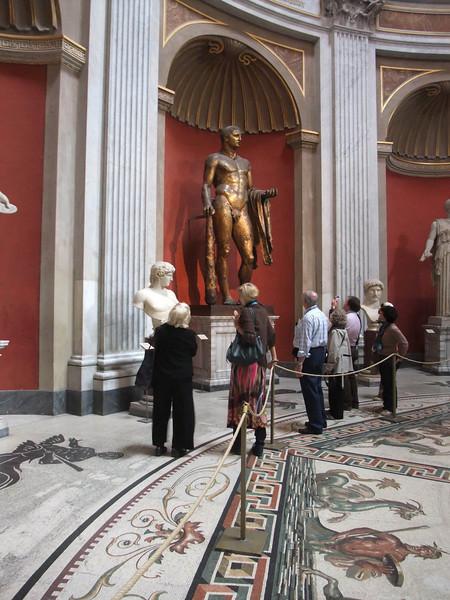 vatican circular hall2