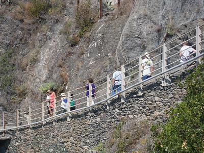 Cinque Terre trail, entering Monterosso