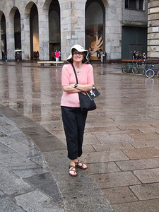 Kathie in the rain, Milan