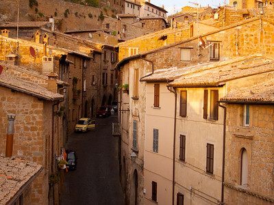 Narrow street, Orvieto