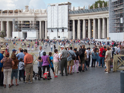 Tourist line outside of Vatican, Rome