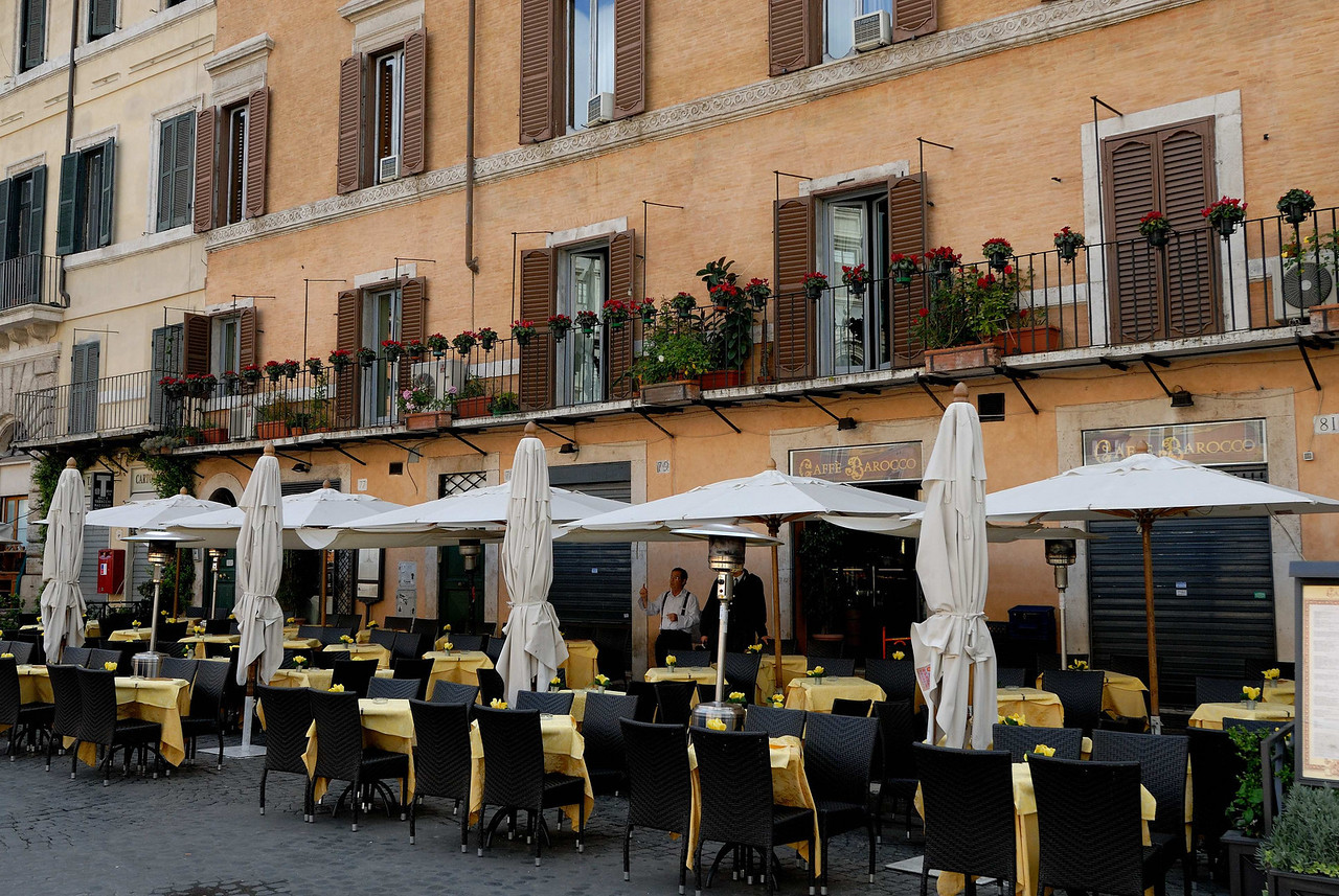One of several resturants in Piazza Navona - early in the morning