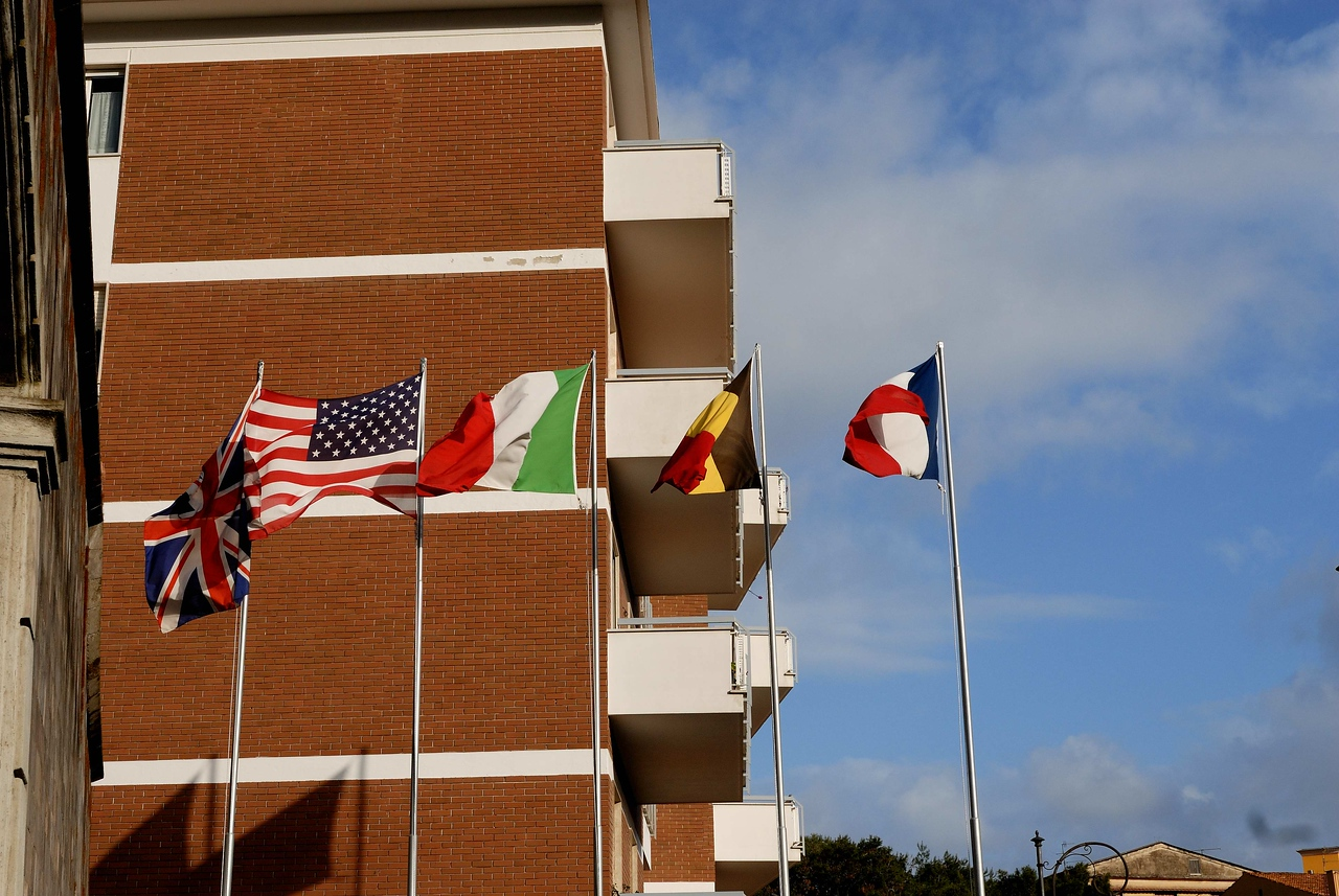 Hotel flying flags of its guest