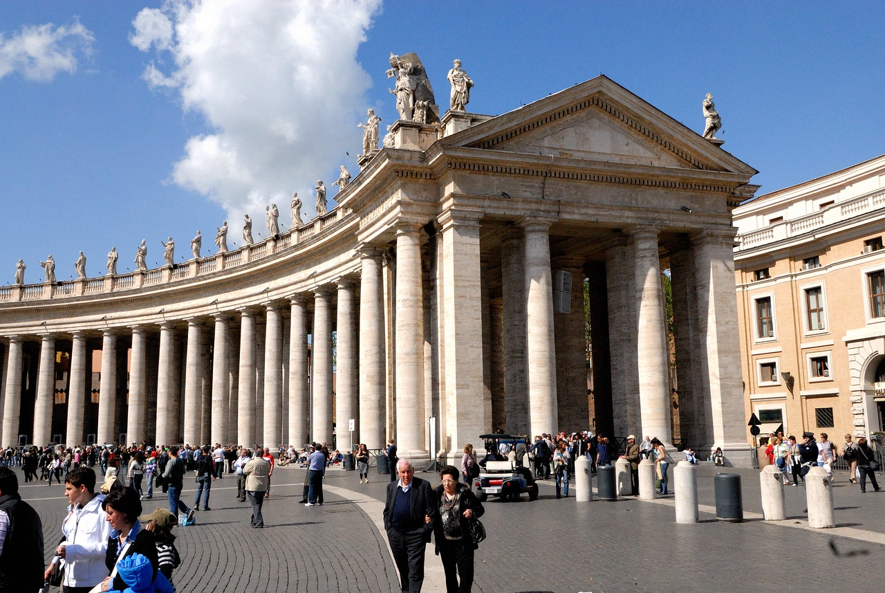 The Colonnades surrounding St Peter's square.
