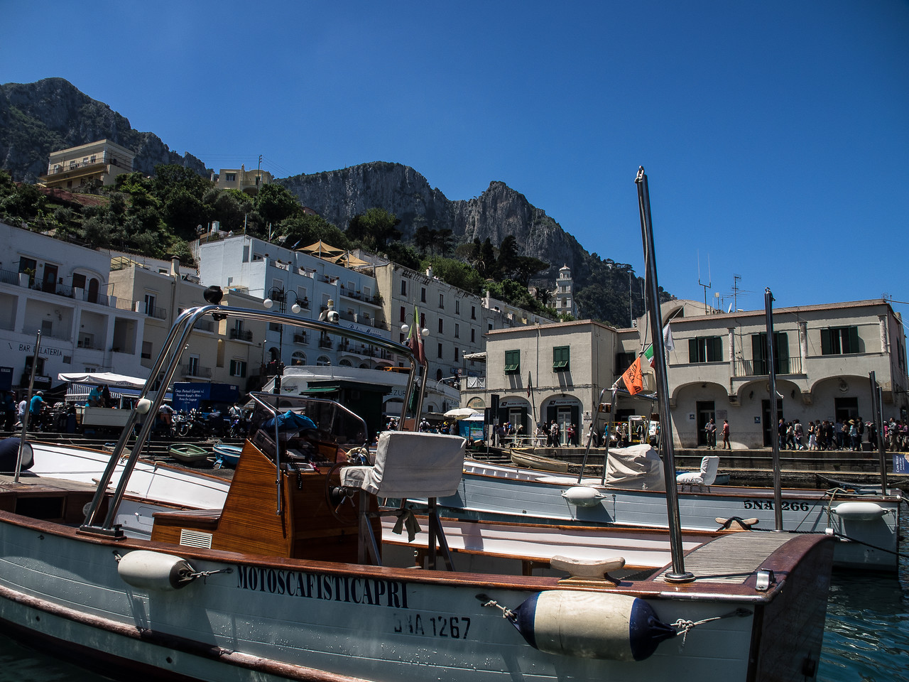 Motoscafisti - Motor Boats of Capri, seems to be a strong union town