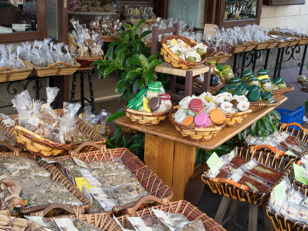 Lipari Shop with local produce, honey and capers