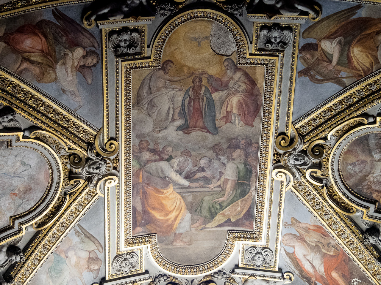 Santa Maria Sopre Minerva built on the remains of a Temple of Minerva  the 1280   The Virgin Mary being crowned the Queen of Heaven by God, Christ and the Holy Spirit