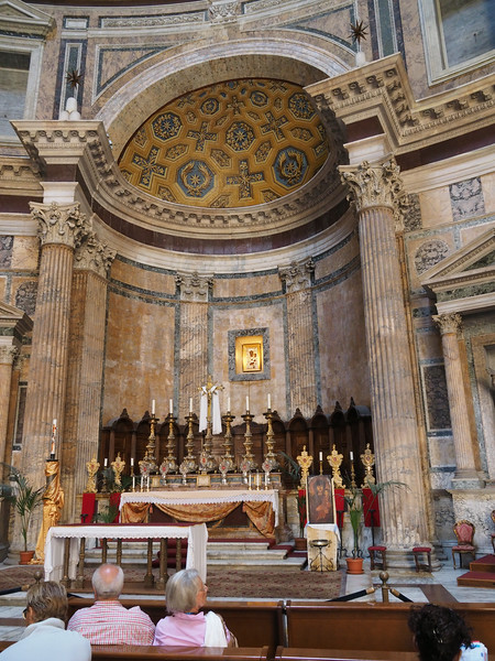 Pantheon Main Altar