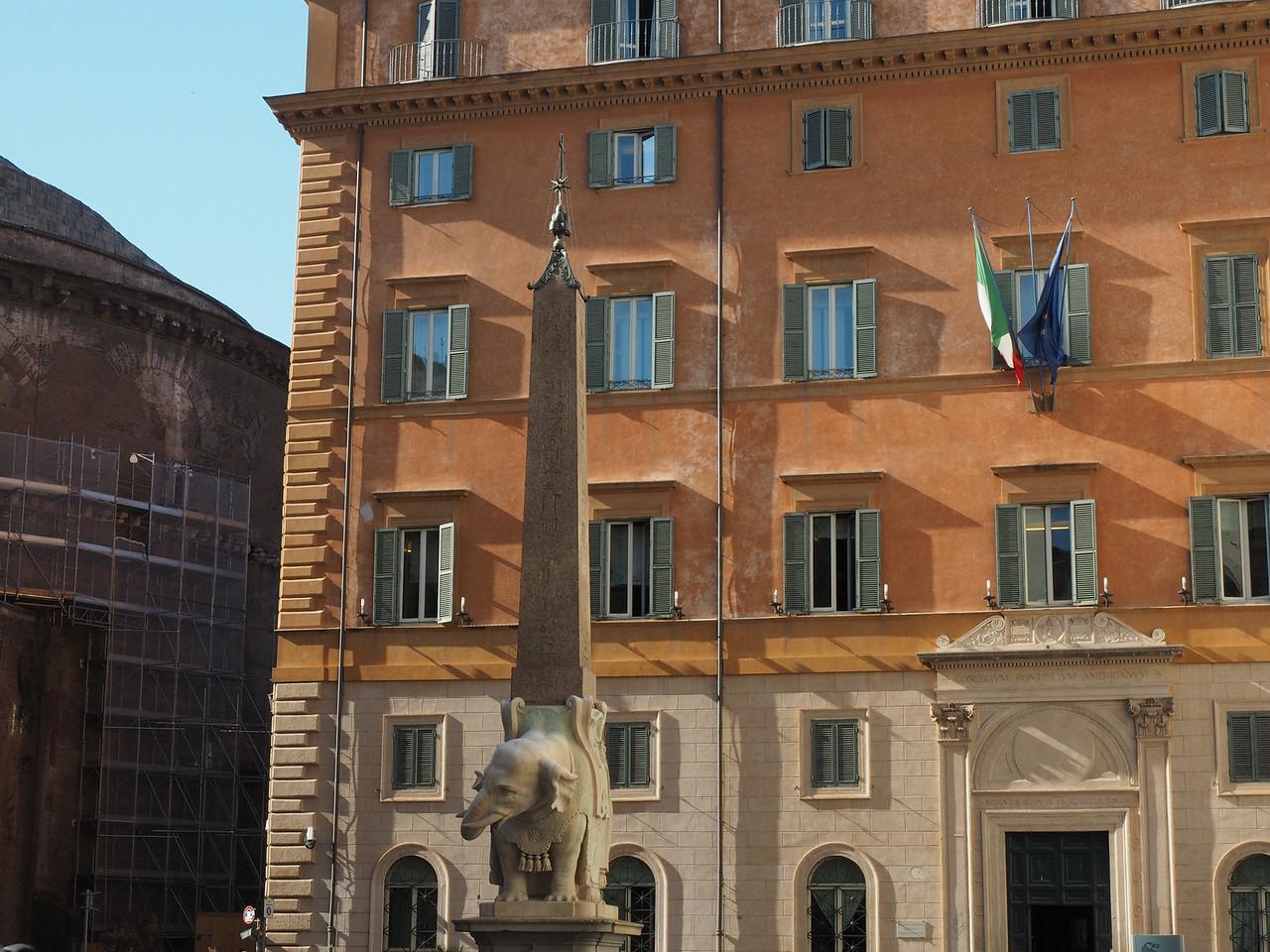 Il Pulcino sculpted by Bernini & Fermata (1667) Elephant supporting an Egyptian Obelisk (570 BC) in Piazza de la Minerva