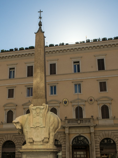 Il Pulcino sculpted by Bernini & Fermata (1667) Elephant supporting an Egyptian Obelisk (570 BC) in Piazza de la Minerva