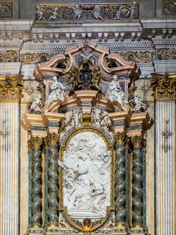 Sant' Ignazio Chapel with marble carving of the Annunciation by Filippo della Valle