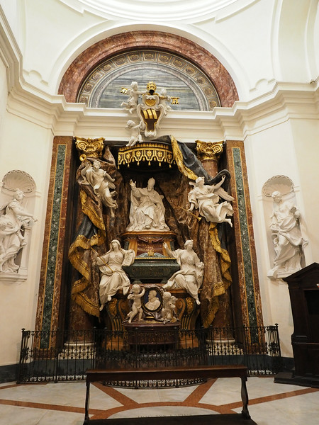 Monument to Pope Gregory XV and his nephew -  Founders of the church