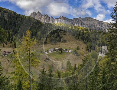 Castello Village Autumn Tree Color Dolomites Panorama Viepoint Modern Art Print Sunshine Ice - 024191 - 18-10-2016 - 12310x9550 Pixel