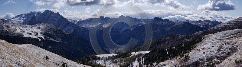 Sella Pass Canazai Dolomiten Herbst Berge Schnee Mountain Royalty Free Stock Photos - 004968 - 12-10-2009 - 14471x4047 Pixel