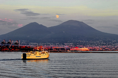 Full-Moon_Vesuvius+Ship_D3S6311-P