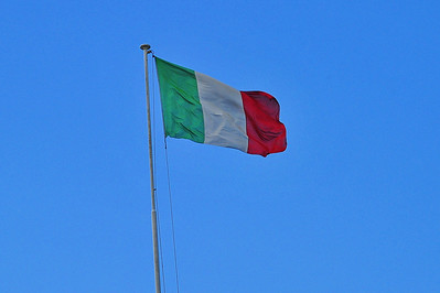 Amafli-Coast_Italian-Flag_D3S0326