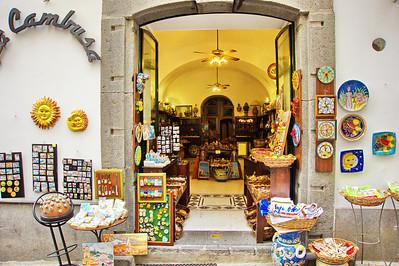 Amalfi_Ceramics-shop_D3S0134