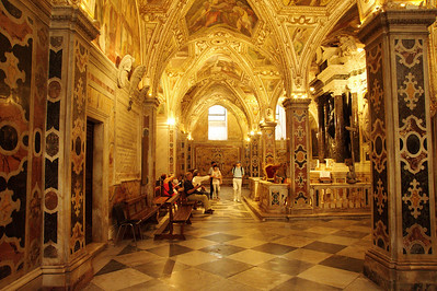 Amalfi_Cathedral_interior_D3S0120