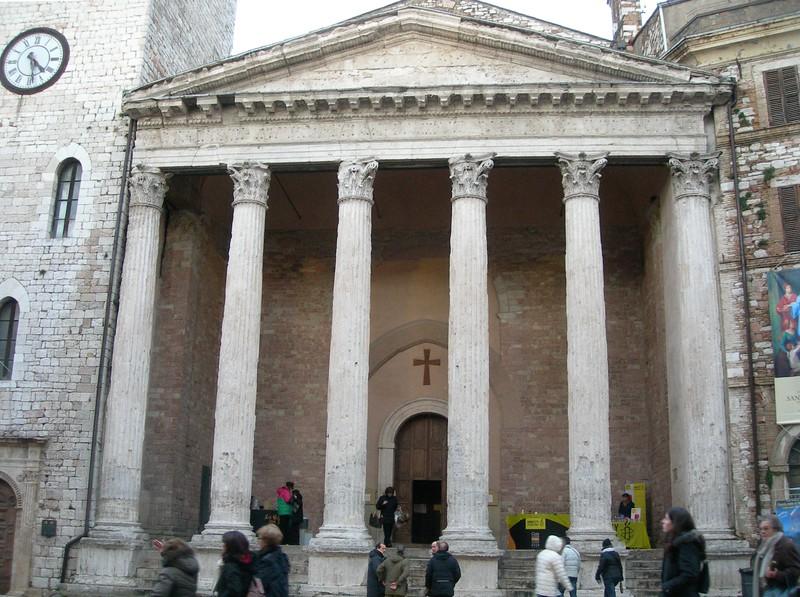 Temple of Minerva - Tempio di Minerva