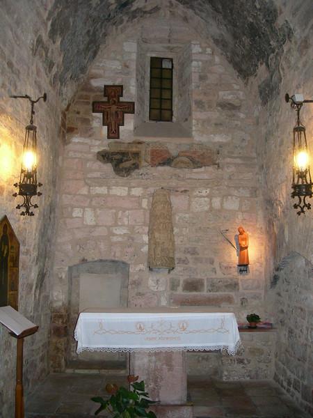 The place where according to the tradition St. Francis was born.<br /> <br /> Oratorio di san Francesco dove secondo la tradizione sarebbe nato il santo.