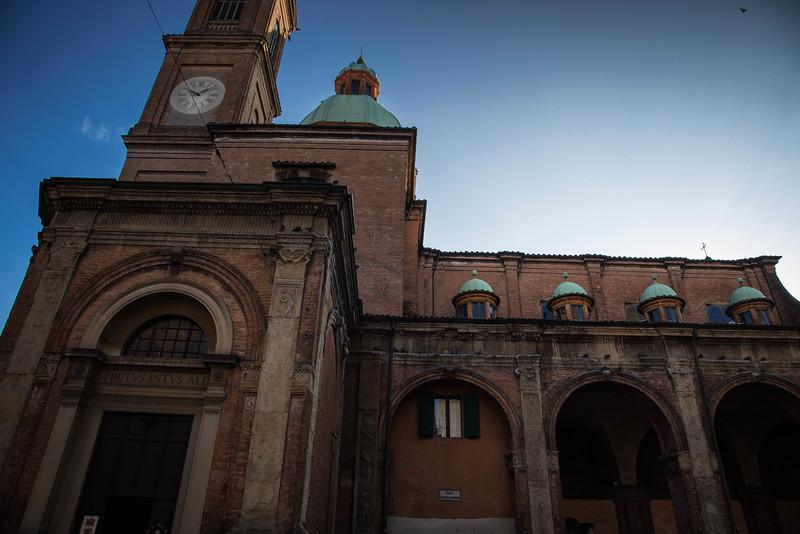bologna architecture