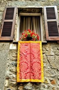 """""""Striking View to the World"""" - Bolsena, Italia"""