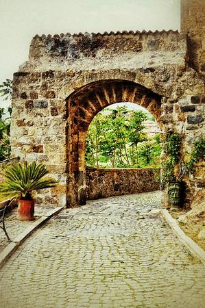 """Long Traveled Path"" - Bolsena, Italia"