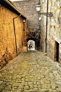 """""""Walk Cautiously"""" - Bolsena, Italia"""