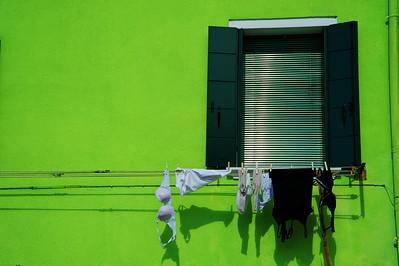 Green_Window_Underware_D3S4772