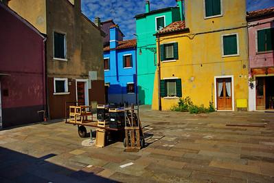 Baruno_Courtyard_carts_D3S4758