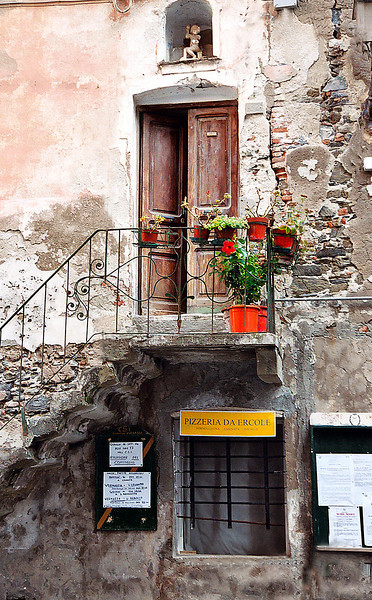 16. Pizzeria da Ercole<br /> Vernazza, Italy