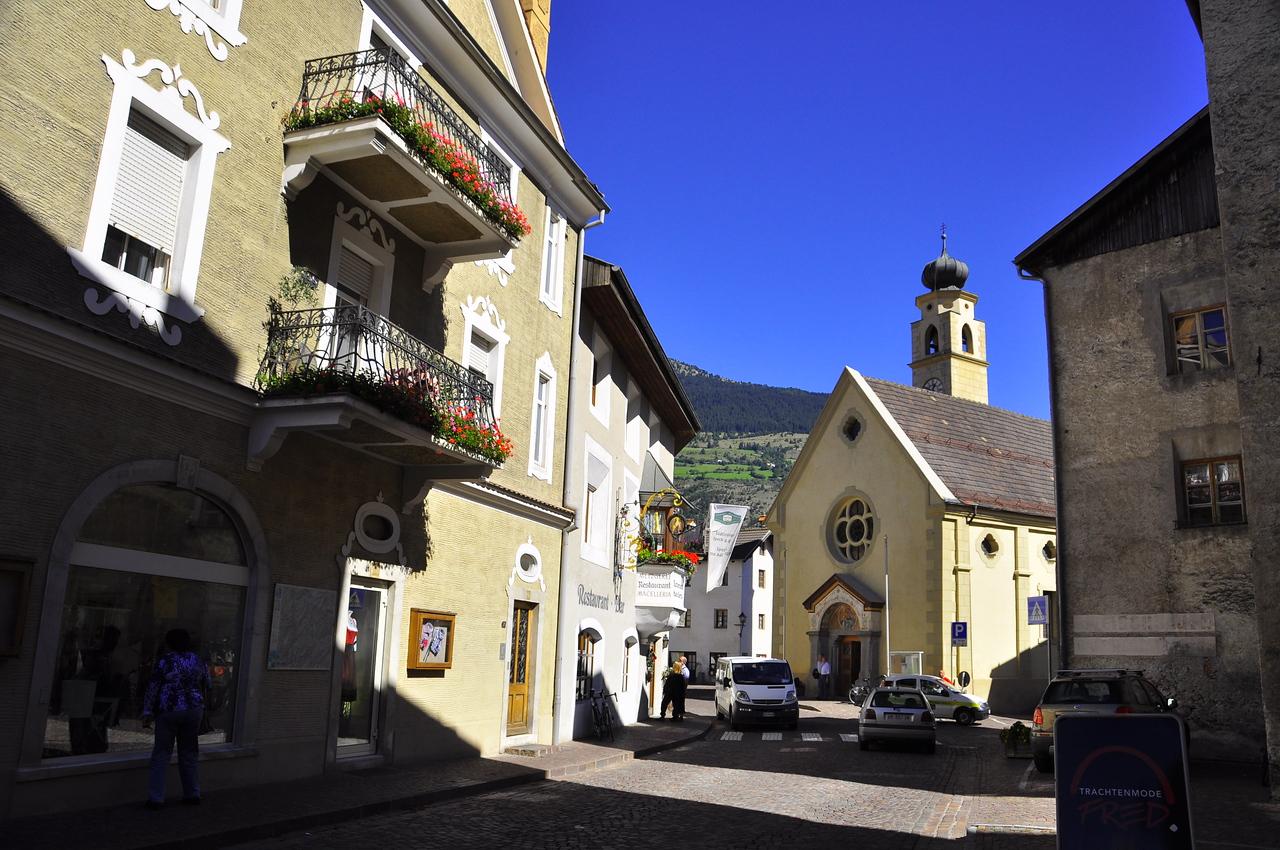 lunch stop in Gorenza