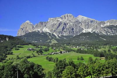 views outside Cortina