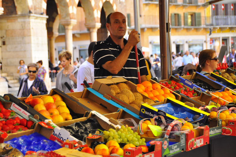 Verona fruit dealer