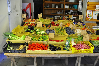 venetian fruit and vegetable stand