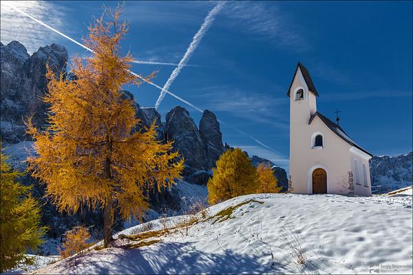 Chapel At Passo Gardena | Часовня на перевале Gardena